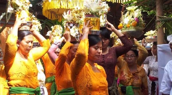 calendar-procession